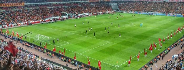 Konya Büyükşehir Stadyumu is one of สถานที่ที่ www.tatiliyet.com ถูกใจ.