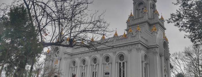 Sveti Stefan Bulgar Ortodoks Kilisesi is one of สถานที่ที่ www.tatiliyet.com ถูกใจ.