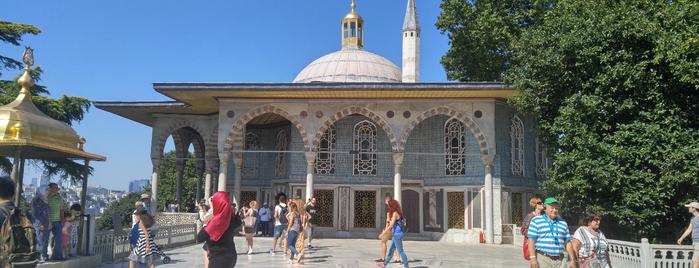 Topkapı Sarayı Müzesi is one of สถานที่ที่ www.tatiliyet.com ถูกใจ.
