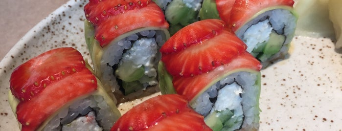 Sushi by Seiji is one of Lugares favoritos de Roman.