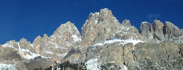 Cortina d'Ampezzo is one of Dove sciare.