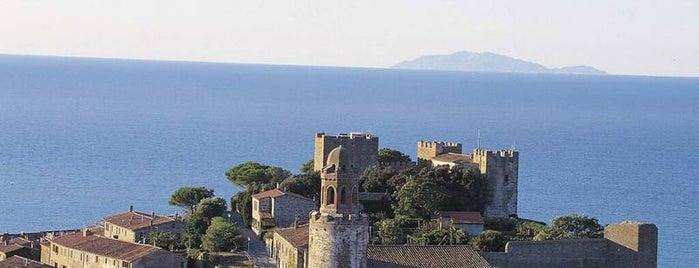 Castello Di Castiglione Della Pescaia is one of Lugares guardados de Marco.