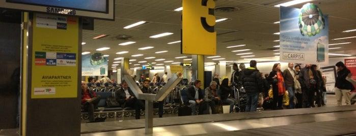 Aeroporto di Milano Linate (LIN) is one of Top 100 Check-In Venues Italia.