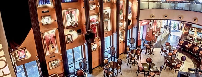 Hard Rock Cafe Lisboa is one of Favoritos.