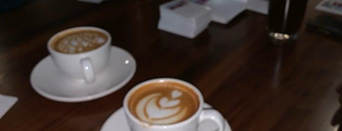 Reverie Coffee Roasters & Founder's Bakery is one of Posti che sono piaciuti a Sarah.