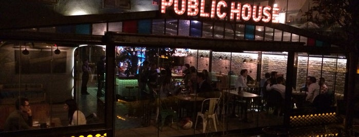 Public House is one of Tempat yang Disukai Ercüment.