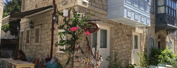 aladya taş otel is one of สถานที่ที่ Yeşim ถูกใจ.