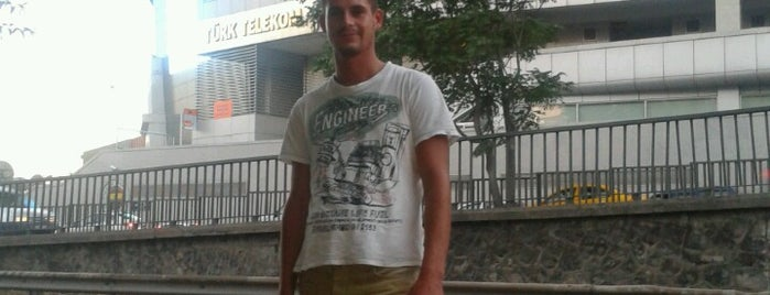 Fenerbahçe Yelken Şubesi is one of Eglence.
