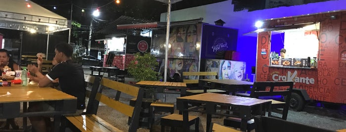 Authentico Foodpark de Piedade is one of Locais curtidos por Amanda.