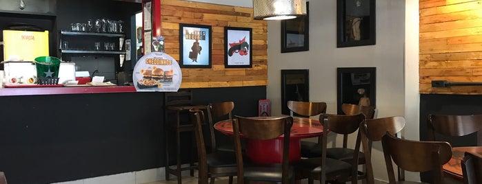 Wayne's Burger Star is one of Locais salvos de Quin.