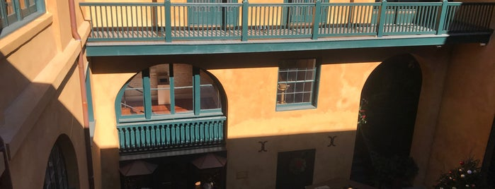 Historic New Orleans Collection is one of สถานที่ที่บันทึกไว้ของ Mario.