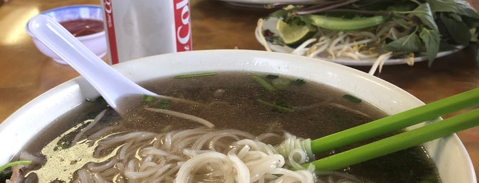 Pho Hoa is one of Lugares favoritos de Teddy.