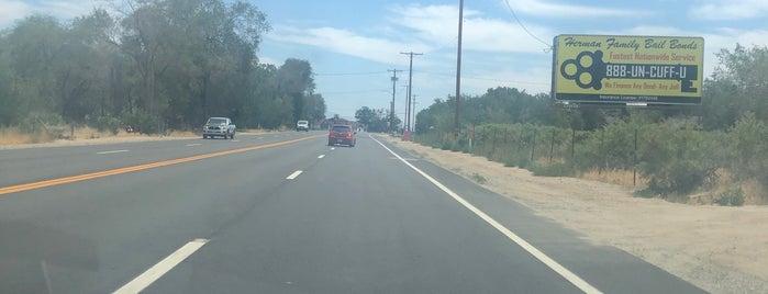 Lone Pine, CA is one of สถานที่ที่ Kevin ถูกใจ.