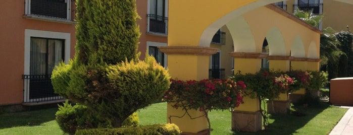 Fiesta Inn is one of Locais curtidos por Ana.