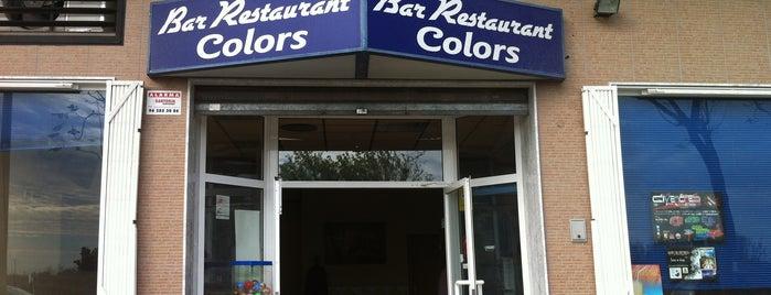 Colors Bar Restaurant is one of Locais curtidos por Bob.