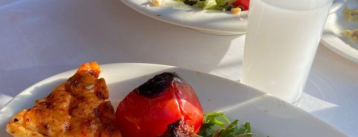 Kalamış Günaydın Kebap & Steakhouse is one of สถานที่ที่บันทึกไว้ของ Emre.