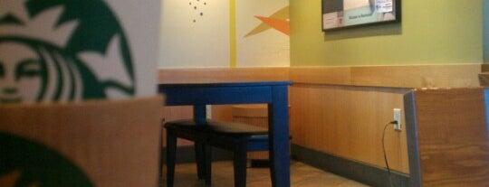 Starbucks is one of Orte, die Gabriella gefallen.