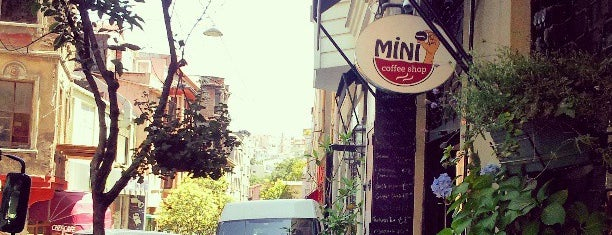 Mini Coffee Shop is one of gez_ilen_karaköy :)).