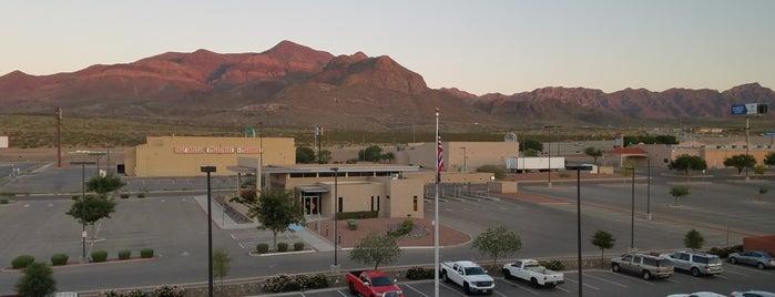 Candlewood Suites El Paso is one of Lieux qui ont plu à Anthony.