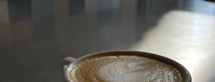 Portola Coffee Roasters is one of สถานที่ที่ Michael ถูกใจ.