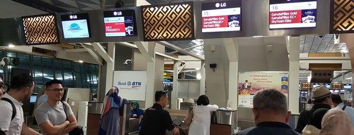 Garuda Indonesia Domestic Check-In Counter is one of Fadlul 님이 좋아한 장소.