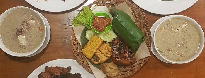Rumah Makan Prambanan Gudeg Jogja is one of Kuliner Bekasi.