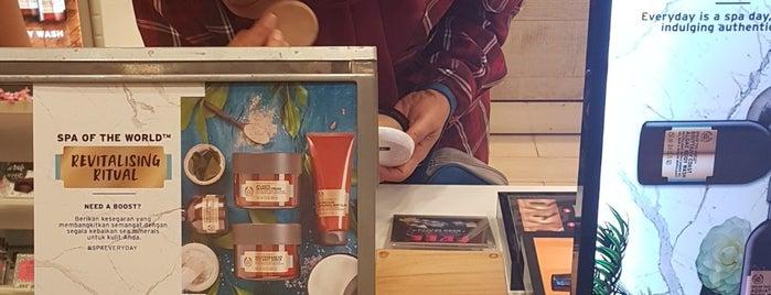 The Body Shop is one of Lugares favoritos de Runes.