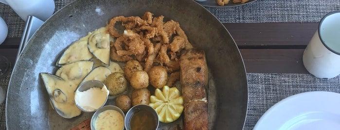 Cattle Baron Restaurant is one of Posti che sono piaciuti a Mi.