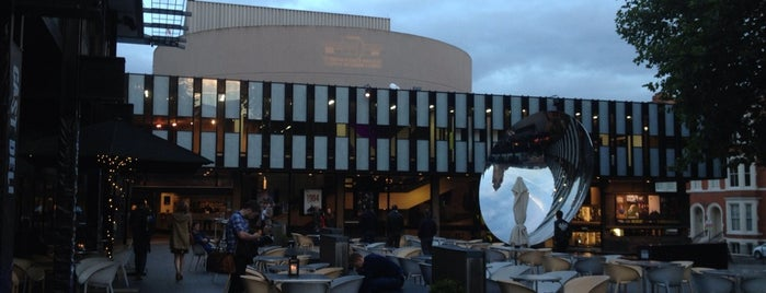 Nottingham Playhouse is one of Locais curtidos por Kevin.