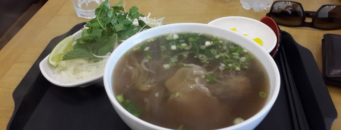Pho.366 is one of Restaurantes no centro (ou quase).