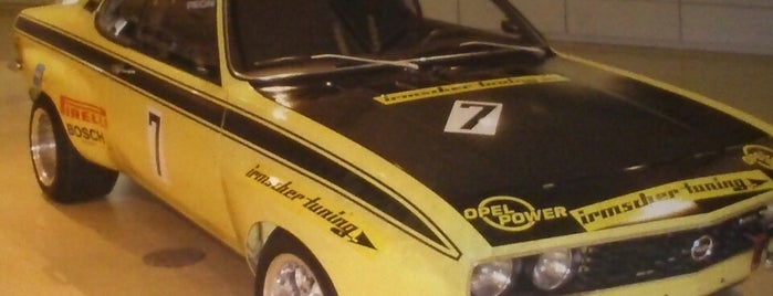 Platin Opel Teknik Servis is one of Umut : понравившиеся места.