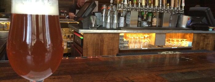 Hi Hat Garage is one of 2015 Milwaukee Bars.