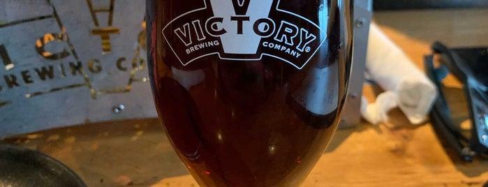 Victory Brewing Company is one of สถานที่ที่ Dennis ถูกใจ.