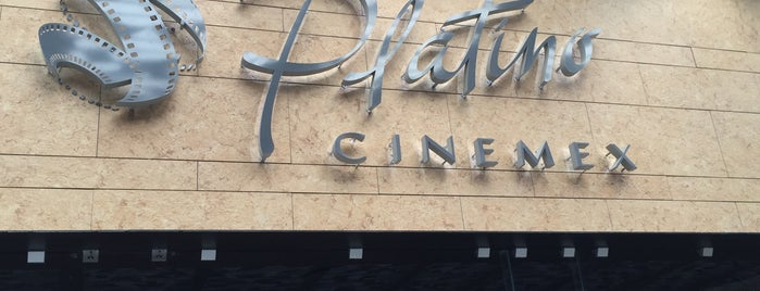 Cinemex Platino is one of Lugares favoritos de Santiago.