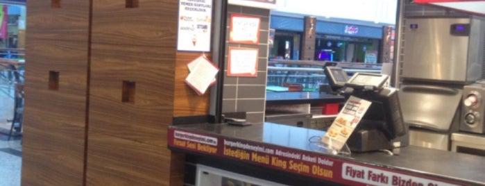 Burger King is one of Lugares guardados de 🆉🅴🆈🅽🅴🅻.