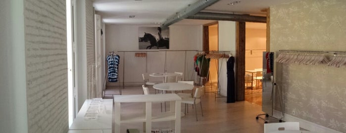 Espacio Barquillo 10 is one of enricoさんのお気に入りスポット.