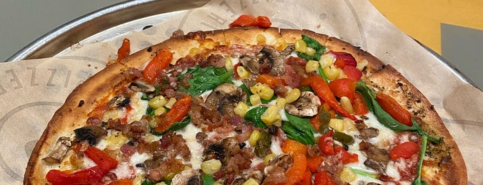 Pieology Pizzeria Gateway Plaza, Fremont, CA is one of Lugares favoritos de Ryan.