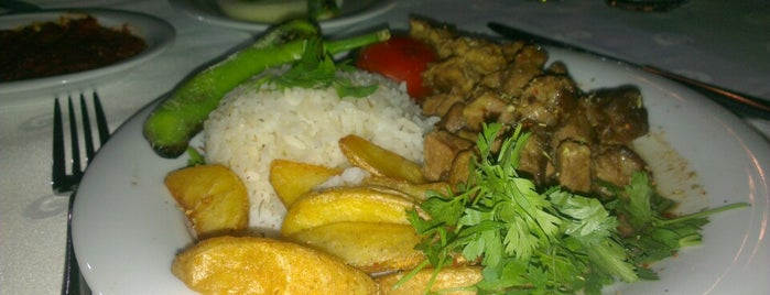 Cumhuriyet Halimbey Restoran is one of Serdarssさんのお気に入りスポット.
