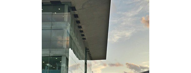 Edifici Nexus II is one of Lieux qui ont plu à Miguel.