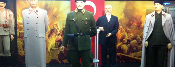Yılmaz Büyükerşen Balmumu Heykeller Müzesi is one of Eskişehir'de Mutlaka Gidilesi Yerler!.