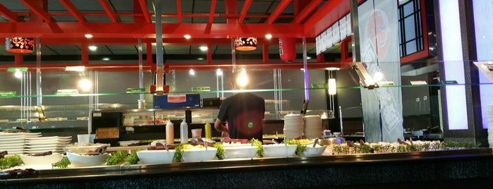 Sakura Japanese Buffet is one of Michael : понравившиеся места.