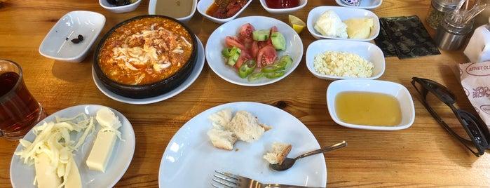 Kıbrıs Yöre Evi is one of Lugares favoritos de Ahmed.