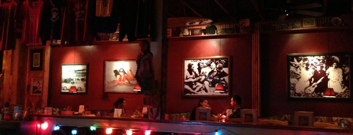 Hula's Island Grill & Tiki Room is one of Fav Restaurants.