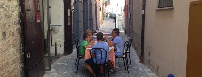 Osteria delle Botti is one of I giorni del cavolo.
