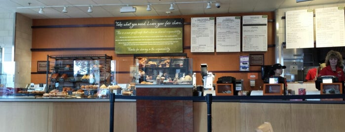 Panera Cares - A Community Cafe is one of Lieux qui ont plu à Devon.