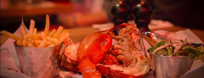 Burger & Lobster is one of Lugares favoritos de mzyenh.