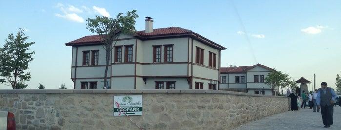 Meram Konakları Kır Düğünü Bahçesi is one of Orte, die H@S@N gefallen.