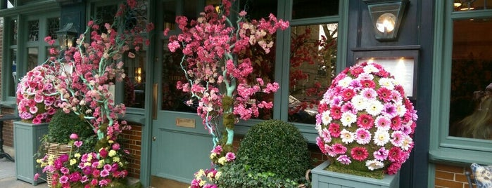 The Ivy Chelsea Garden is one of 1001 reasons to <3 London.