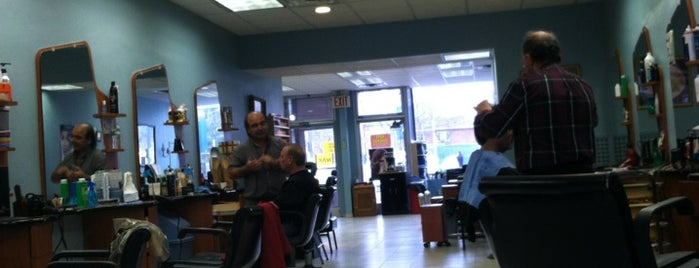 D'Ferraro's Hair Design is one of Locais curtidos por Montana.