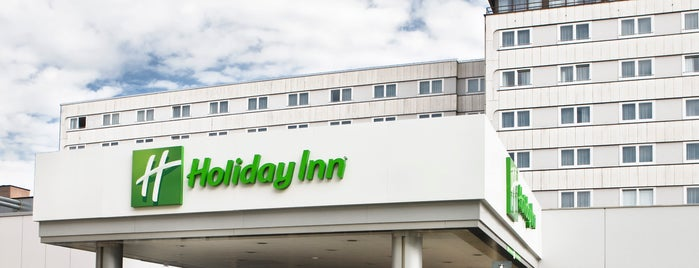Holiday Inn is one of Locais curtidos por Valeria.